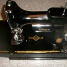 Singer Featherweight 221 - 1 Vintage Classic Sewing Machine in Case MINT LQQK