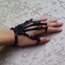 BLACK w/RED STONE SKELETON HAND BONE TALON CLAW SKULL BRACELET CUFF FINGER KNUCKLE RING