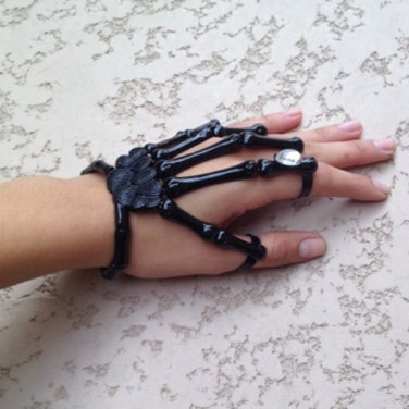 BLACK w/CLEAR STONE SKELETON HAND BONE TALON CLAW SKULL BRACELET CUFF FINGER KNUCKLE RING