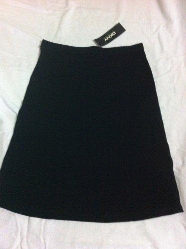 Women's NWT $165.00 Black DKNY Skirt Petite