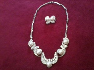 Swa. Crystals and freshwater pearls beautifully set in sterling silver (last one)