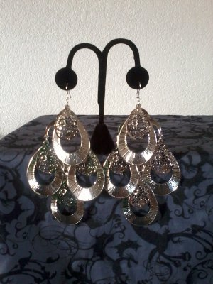 Tear Drop Diamond Shaped Earrings