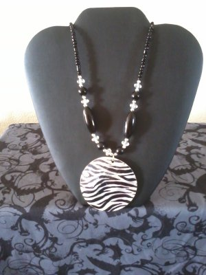 Zebra Neklace In Mother Of Pearl