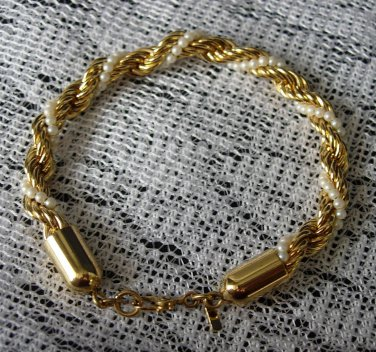 Vintage MONET Pearl and Gold Toned Twisted Beaded Bracelet