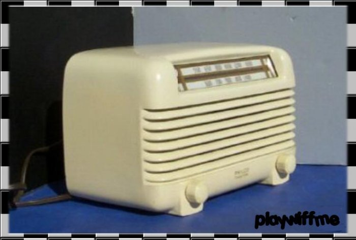 Vintage Philco 49-504 Table Radio
