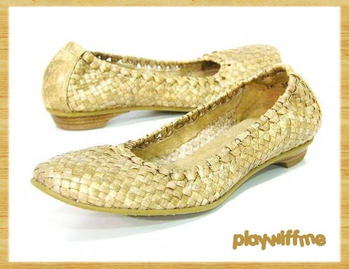 Stuart Weitzman Slip-On Shoes - Women's 5.5 NARROW