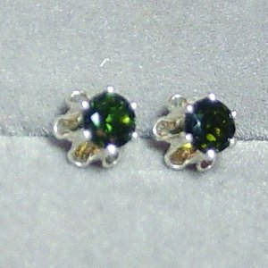 4mm Green Tourmaline sterling buttercup post earrings