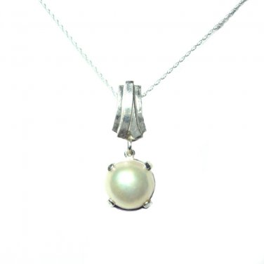 10mm Mabe pearl pendant with slider bail