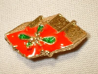 Christmas Giftbox Pin/Broach