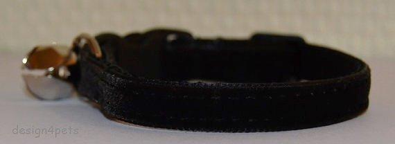 Dakota - Unique handmade breakaway adjustable cat collar - black velvet cat collar
