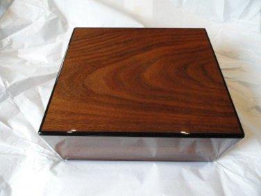 Elie Bleu Walnut  Humidor 50  Count new in original box