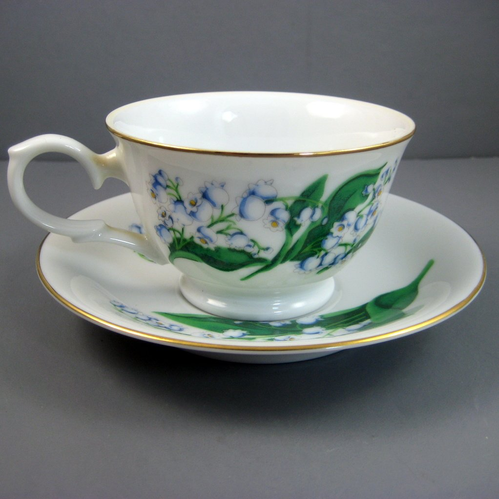 Vintage Avon May Lily of the valley Blossoms of the Month Series 1991 Teacup and Saucer