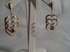 18 kt Gold Triple Heart with clear Rhinestone Stud Earrings