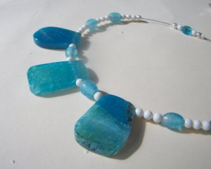 Agate Gemstone and Pearl Necklace - Aquamarine
