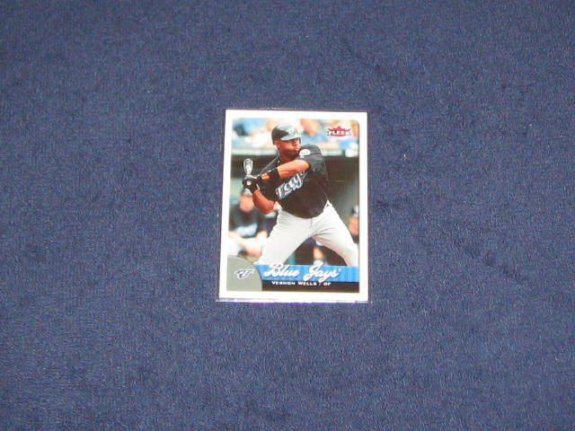 2007 Fleer Vernon Wells #13 Blue Jays