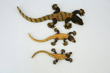 Hand-crafted Wood Figurine with Batik Motives, Gecko (Set of 3)