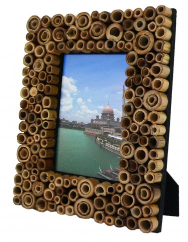 """Hand-crafted Natural Bamboo Dot Picture Frame Two-ways (4""""�6"""" or 6""""x4"""") With Stand"""