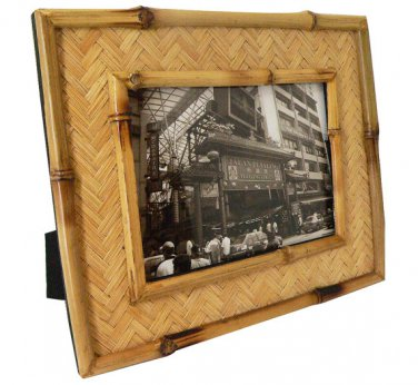 "Hand-crafted Natural Bamboo Picture Frame Two-ways (5""x7"" or 7""x5"") with Stand"