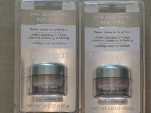 Neutrogena Skin Soothing Eye Tints - Petal Shimmer ( Pack for 2 pcs )