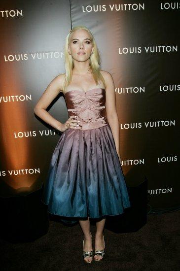 Scarlett Johansson 8x10 Photo - Very Busty Open Toe Heels #5