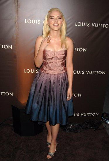 Scarlett Johansson 8x10 Photo - Very Busty Open Toe Heels #20