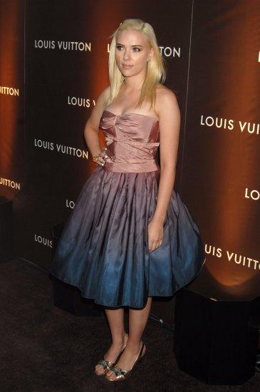 Scarlett Johansson 8x10 Photo - Very Busty Open Toe Heels #21