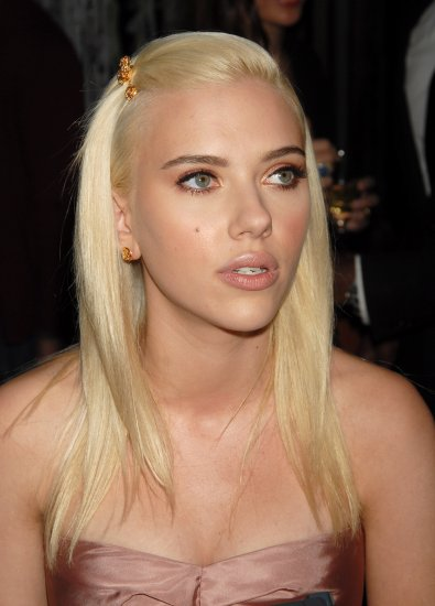 Scarlett Johansson 8x10 Photo - Close Up Pretty Candid #25