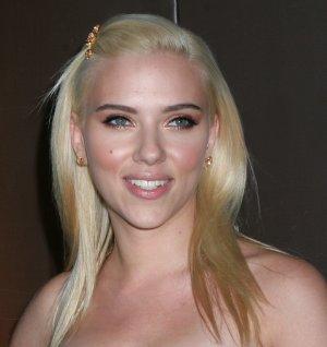 Scarlett Johansson 8x10 Photo - Close Up Pretty Candid #27