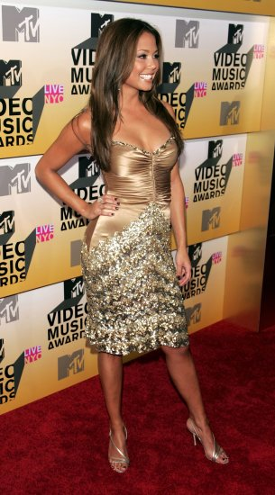 Vanessa Minnillo 8x10 Photo - MTV VMA Great Curves Candid! #9