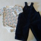 GAP OUTFIT BABY BOYS SIZE 6-12 MONTHS BIBS W/SHIRT