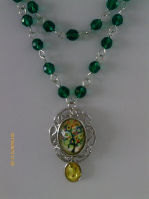 VICTORIAN WICCA HANDCRAFTED OOAK EMERALD GREEN GLASS BEAD TREE of LIFE NECKLACE