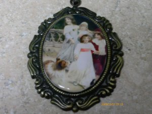ROMANTIC VICTORIAN VINTAGE RETRO LITTLE GIRLS w PUPPY DOG COLLIE CAMEO NECKLACE