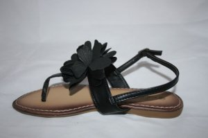BLACK FLOWER SANDAL- GREAT FOR THE SUMMER