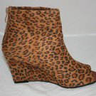CHEETAH PRINT WOMEN&#39;S WEDGE HEEL ANKLE BOOT