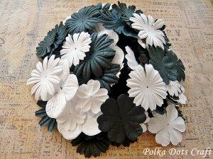150 pcs of Paper Flowers Petals, Embellishments, Scrapbooks Crafts, Black & White Color, F13