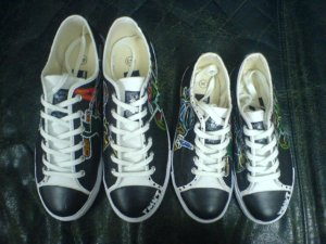 Unisex Canvas laced shoes