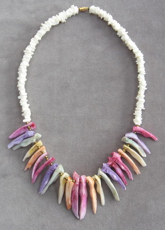 Colorful Beaded Shell Necklace Vintage