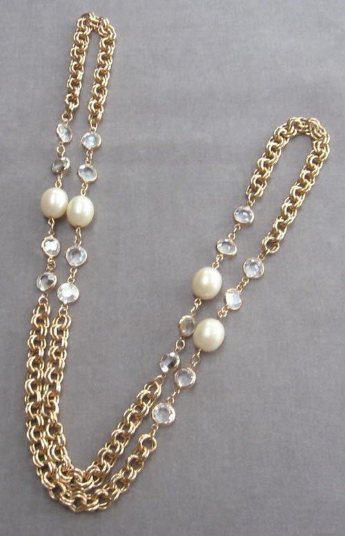 Crystal Bezel Pearl Necklace Vintage Retro 1970s