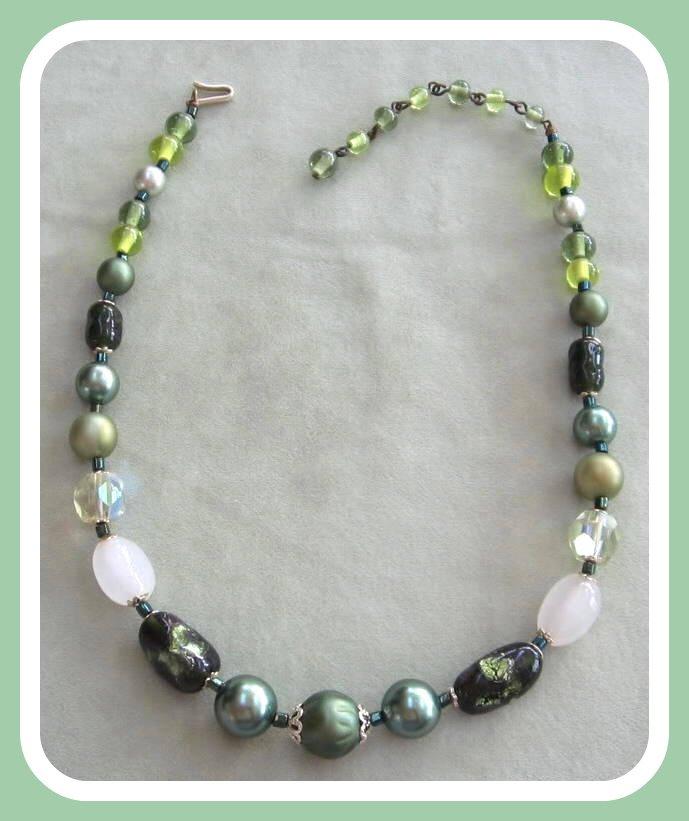 Green Glass Aurora Borealis Beaded Necklace Vintage Japan