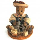 Berry Hill Bears Figurine Blessed Are The Peacemakers 1997 Young