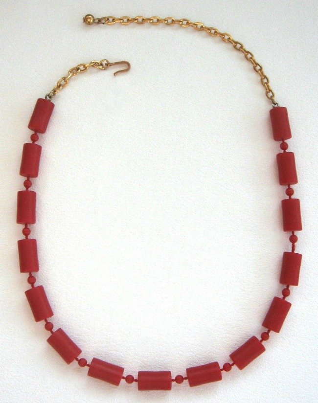 1970's Red Beaded Necklace Vintage