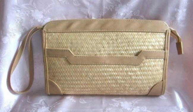 Vintage Natural Straw Clutch Purse Made In Hong Kong 1960s