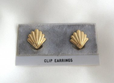 Gold Shaped Shell Clip On Earrings Designer Trifari Vintage 1970s