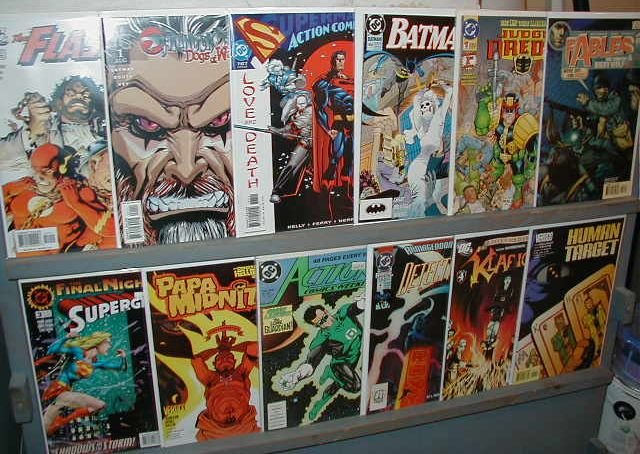 D.C. COMICS  WHOLESALE DEAL- 25 BOOK LOT**FREE SHIPPING**