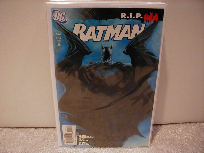 BATMAN #676 NM (2008)