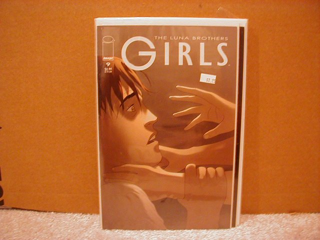 GIRLS #9 VF/NM      LUNA BROTHERS,SWORD