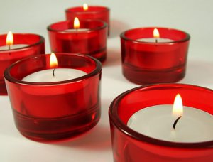RED TEALIGHT CANDLE HOLDER