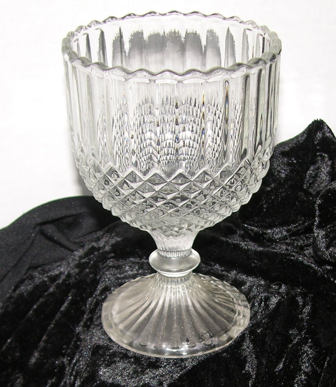 LARGE Chiseled Cut Crystal pattern Goblet Glass Wine Glass Champagne