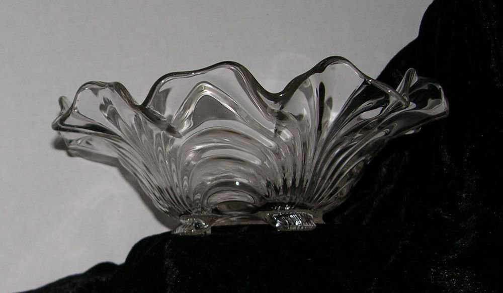 """Beautiful Scalloped Glass footed Bowl Great for Holiday Fine Dinning - """"Pass the"""