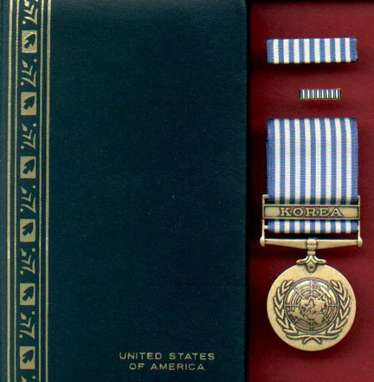 UN Korea Service medal in case with ribbon bar and lapel pin